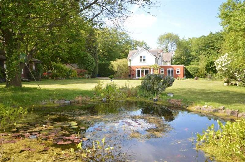4 Bedrooms Semi Detached House for sale in Stony Corner, Meopham