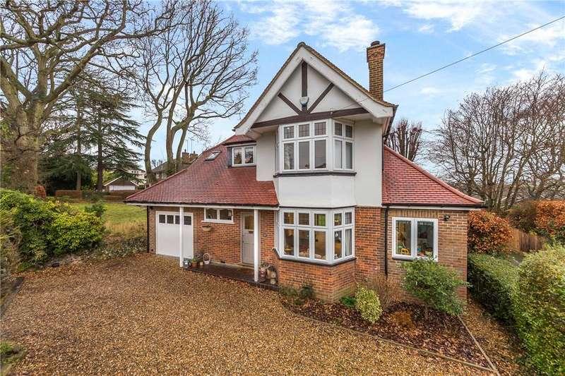 4 Bedrooms Detached House for sale in Roundwood Lane, Harpenden, Hertfordshire