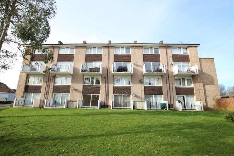 3 Bedrooms Maisonette Flat for sale in Longwood Road, Hertford, SG14