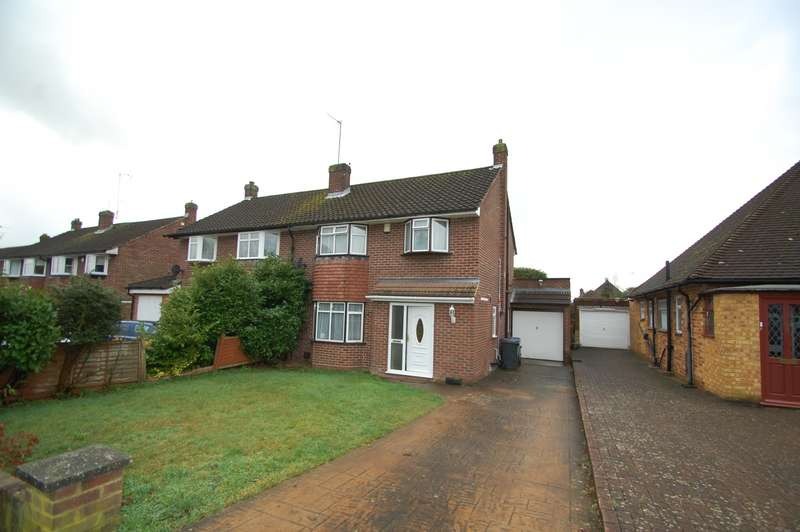 3 Bedrooms Semi Detached House for sale in Hazell Way, Stoke Poges, SL2
