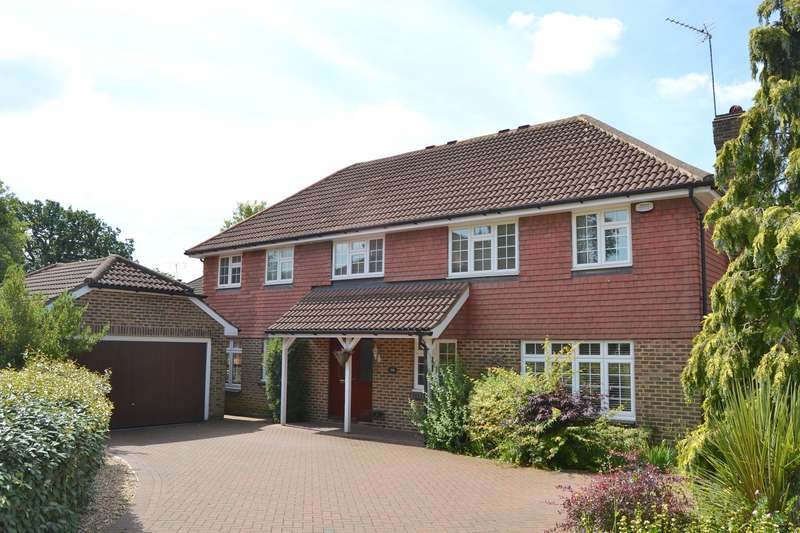 5 Bedrooms Detached House for sale in Burleigh Park, Cobham, KT11