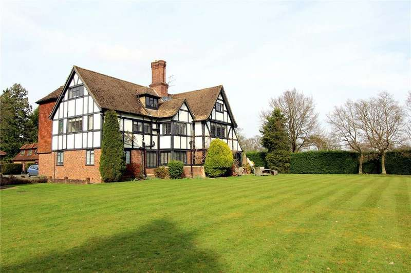 2 Bedrooms Flat for sale in Fulmer Chase, Stoke Common Road, Fulmer, Slough, SL3