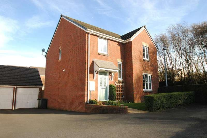 4 Bedrooms Detached House for sale in Nadder Meadow, South Molton