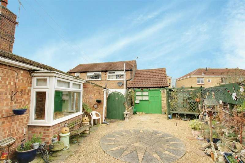 3 Bedrooms Semi Detached House for sale in West Street, Alford