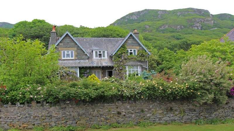 5 Bedrooms Detached House for sale in Oversley, Mynach Road, Barmouth LL42 1RL