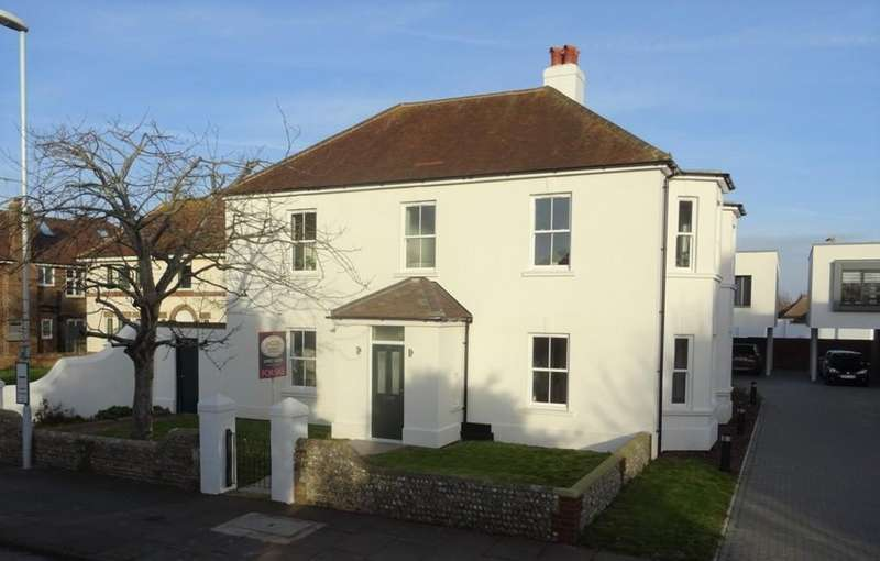 4 Bedrooms Detached House for sale in Sea Lane, Goring-by-sea BN12 4PY
