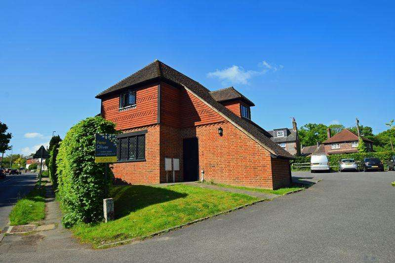 2 Bedrooms Flat for sale in Ringles Cross, Uckfield