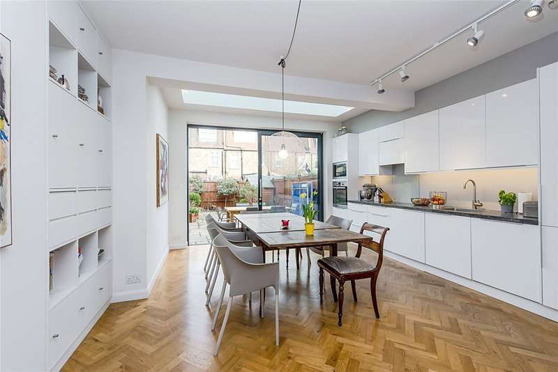 4 Bedrooms Terraced House for sale in Gatwick Road, Southfields, London, SW18