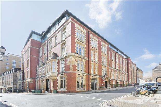 3 Bedrooms Maisonette Flat for sale in Unity Street, BRISTOL, BS1 5HH