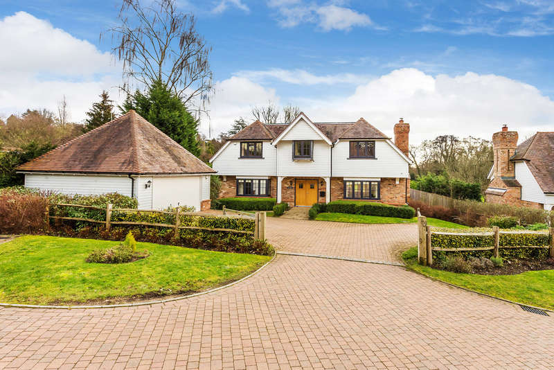 5 Bedrooms Detached House for sale in Wilderness Road, Oxted RH8