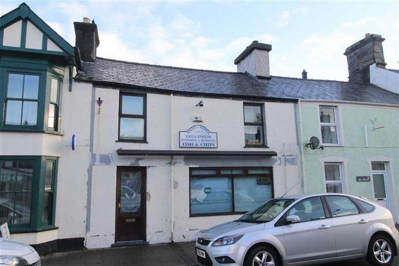2 Bedrooms Terraced House for sale in High Street, Penrhyndeudraeth