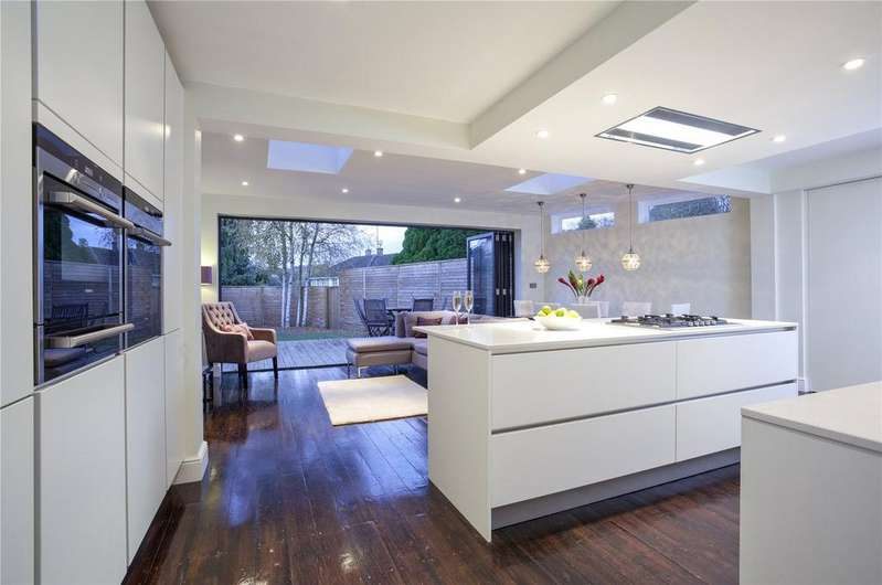 3 Bedrooms Detached House for sale in Cheapside Road, Ascot, Berkshire