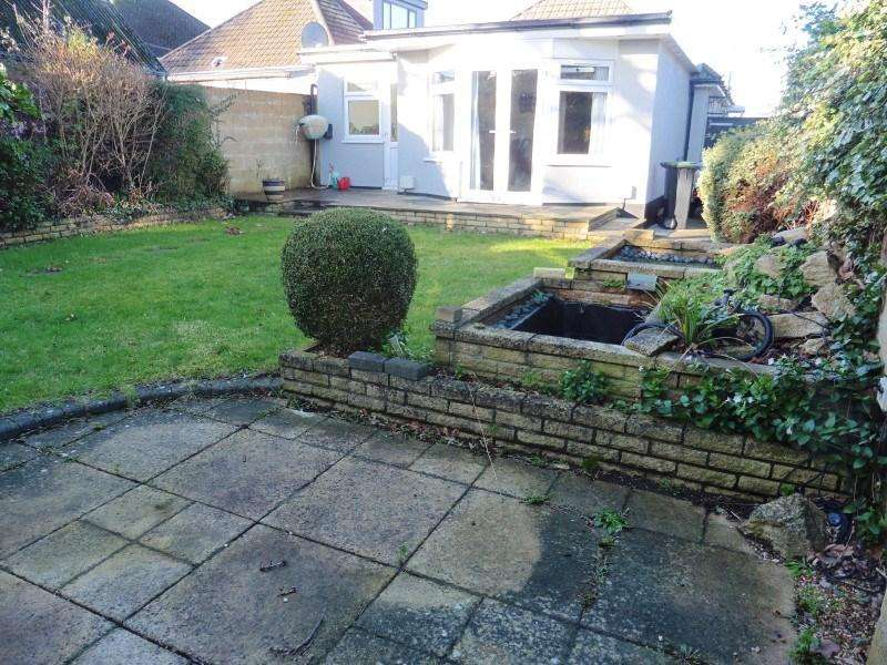 3 Bedrooms Detached Bungalow for sale in Hyde Road, Bournemouth