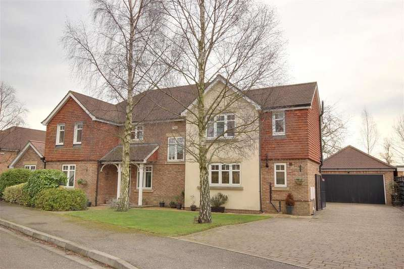 4 Bedrooms Detached House for sale in Nunburnholme Avenue, North Ferriby