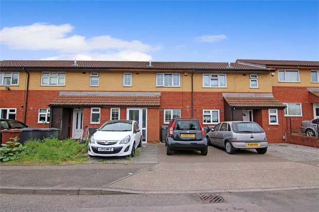 3 Bedrooms Terraced House for sale in Banbury Road, Walthamstow, London