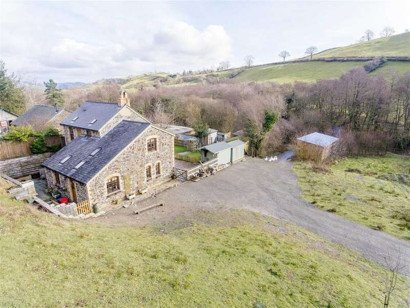 3 Bedrooms Cottage House for sale in Penygarnedd