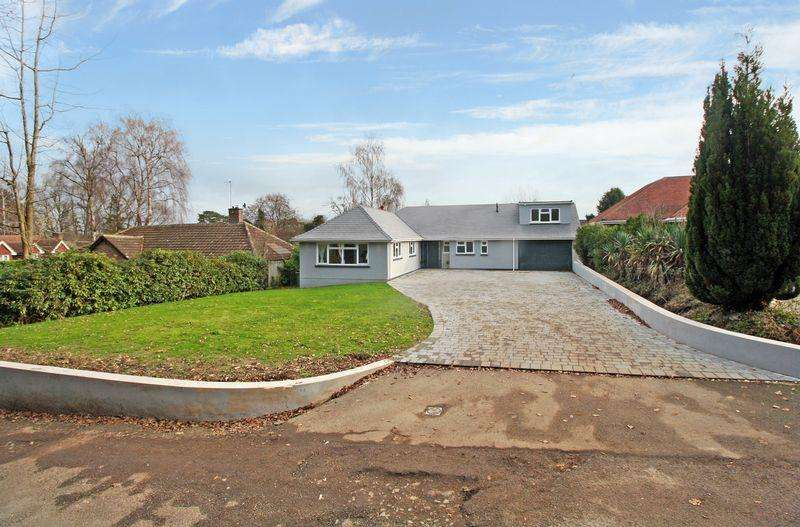 4 Bedrooms Detached Bungalow for sale in Whitehall Drive, Ifield