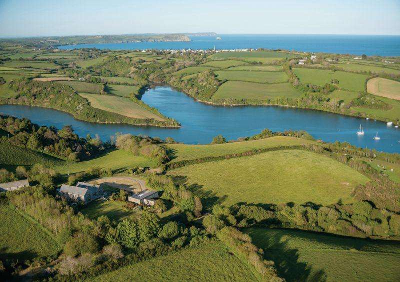 4 Bedrooms Detached House for sale in St Mawes Outskirts