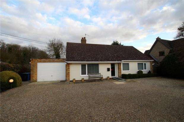 3 Bedrooms Detached Bungalow for sale in Bury Road, Lawshall, Bury St. Edmunds