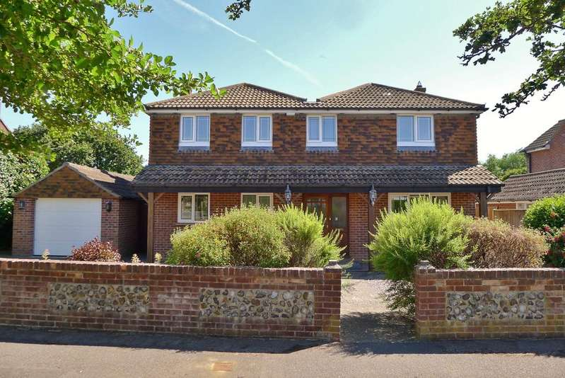 4 Bedrooms Detached House for sale in SEAFIELD PARK ROAD, HILL HEAD