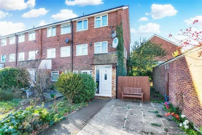 2 Bedrooms Maisonette Flat for sale in Cavendish Court, Coleridge Crescent, Colnbrook, Berkshire