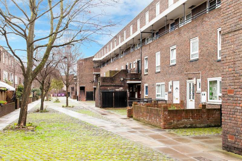 3 Bedrooms Apartment Flat for sale in James Docherty House, Patriot Square, Bethnal Green, E2