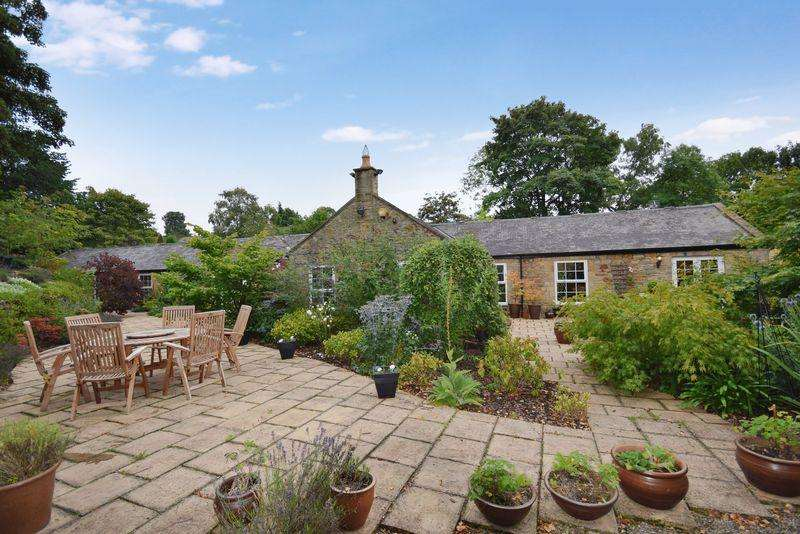 5 Bedrooms Barn Conversion Character Property for sale in Newton Hall, Newton