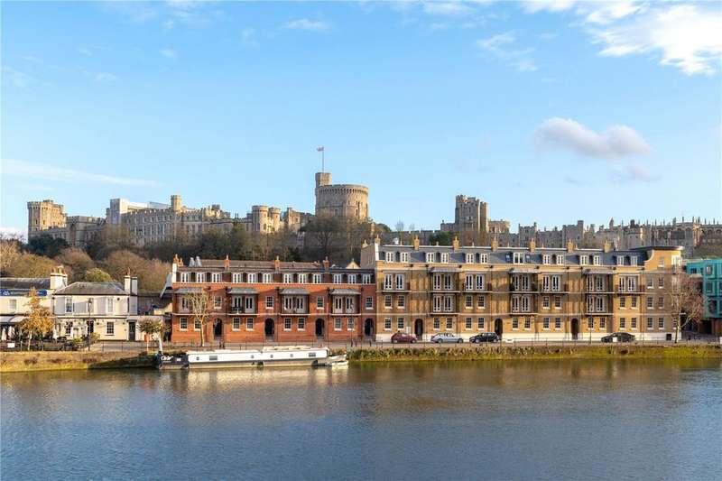 2 Bedrooms Flat for sale in Thameside, Windsor, Berkshire, SL4