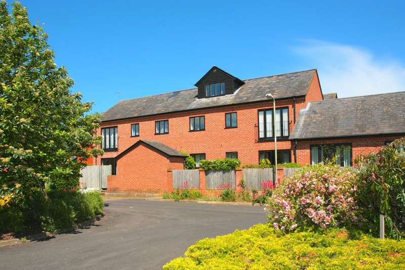 2 Bedrooms Apartment Flat for sale in 7 Queens Court, Goring on Thames, RG8