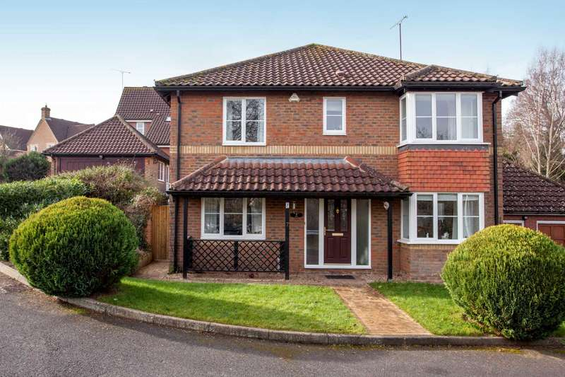 4 Bedrooms Detached House for sale in Midsummer Meadow ,Caversham Heights, Reading