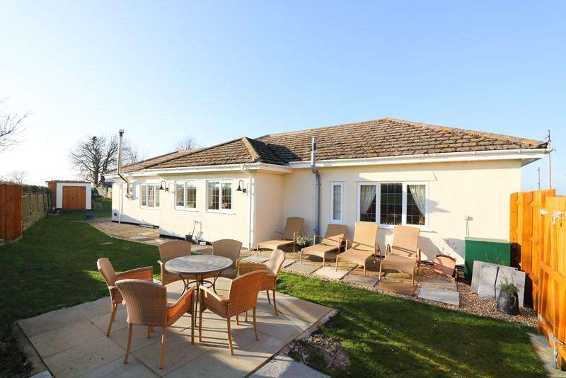 3 Bedrooms Detached Bungalow for sale in Stanton Wick, Pensford, Bristol