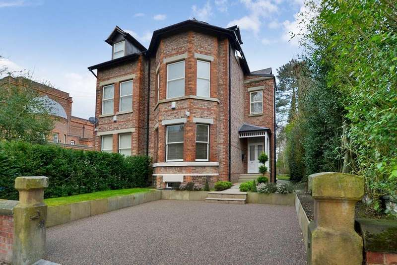 6 Bedrooms Semi Detached House for sale in Queenston Road, West Didsbury