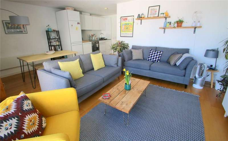 2 Bedrooms Apartment Flat for sale in Airpoint, Skypark Road, Bristol, BS3