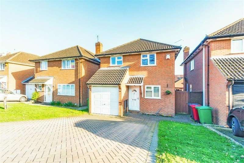 3 Bedrooms Detached House for sale in Lower Britwell Road, Burnham, Berkshire
