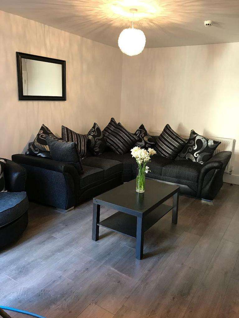 6 Bedrooms Terraced House for rent in Dial St, Kensington