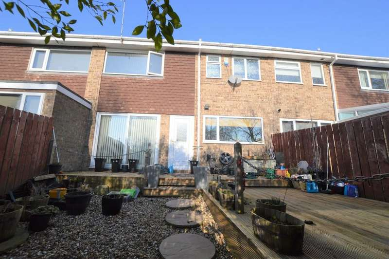 3 Bedrooms Terraced House for sale in Dene Road, Wylam