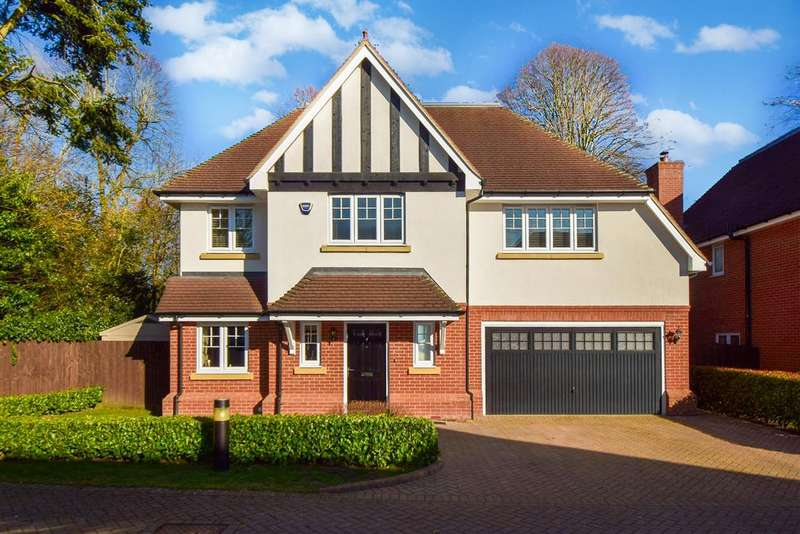 6 Bedrooms Detached House for sale in Lambourne Close, Burnham, SL1