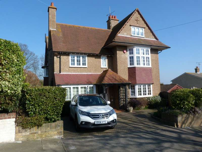 6 Bedrooms Detached House for sale in Winterstoke Crescent, Ramsgate