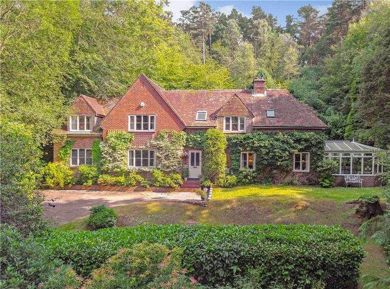 4 Bedrooms Detached House for sale in Stoney Bottom, Grayshott, Hindhead, Hampshire, GU26