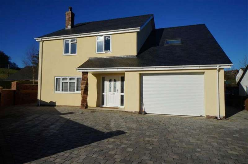 5 Bedrooms Detached House for sale in Llangernyw, Abergele