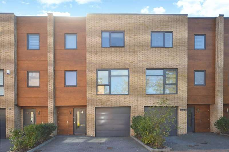 4 Bedrooms Terraced House for sale in Leckhampton Place, Cheltenham, Gloucestershire, GL53