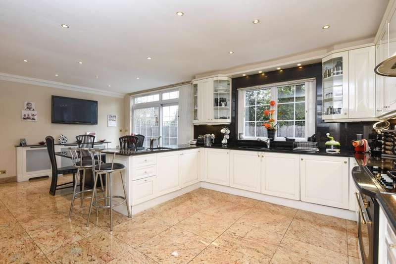 7 Bedrooms Detached House for sale in Crooked Usage, Finchley, N3