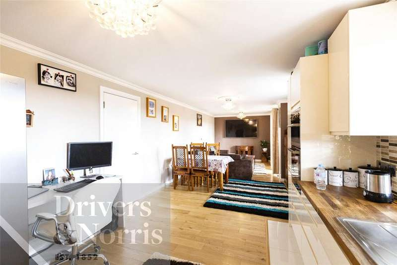3 Bedrooms Apartment Flat for sale in Clock View Crescent, Islington, London, N7