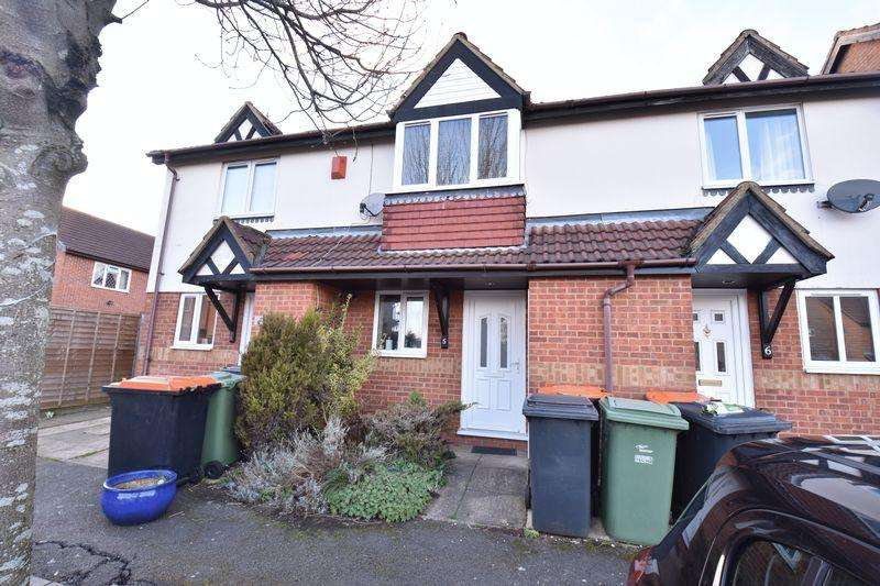 2 Bedrooms Terraced House for sale in Farmbrook, Luton