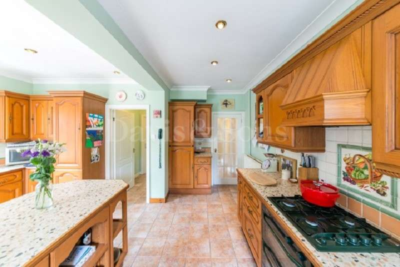 4 Bedrooms Semi Detached House for sale in Chepstow Road, Langstone , Newport, Gwent. NP18 2LU