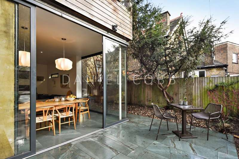 5 Bedrooms Semi Detached House for sale in Burton Road, SW9