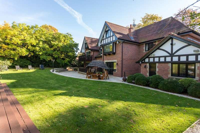 6 Bedrooms Detached House for sale in Rappax Road, Hale