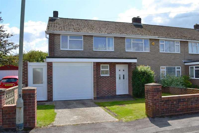 3 Bedrooms Semi Detached House for sale in Charter Road, Newbury