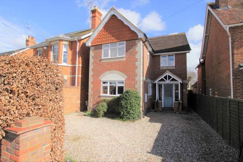 4 Bedrooms Detached House for sale in Horseshoe Road, Pangbourne, Reading, RG8