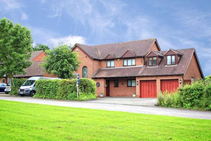 5 Bedrooms Detached House for sale in Baxterley, Warwickshire, CV9